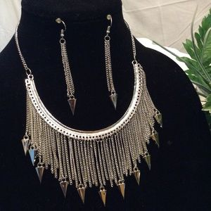 Silver spikes necklace set